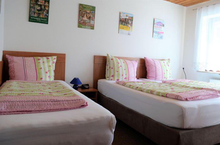 fewo-deutschle-schlafzimmer-suedwest (4)